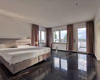 OG, Schlafzimmer 1 mit Ankleidezimmer (2)